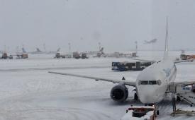 Operaţiuni deszăpezire la Aeroportul Henri Coandă 2017